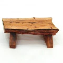 Suporte de madeira rústico